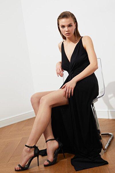 TRENDYOLMİLLA Siyah Drape Detaylı Abiye & Mezuniyet Elbisesi TPRSS19UT0099