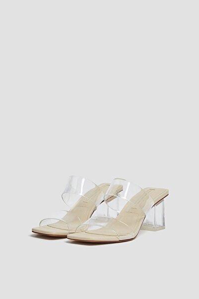 Pull & Bear Kadın Vinil Topuklu Sandalet