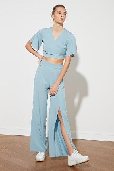 TRENDYOLMİLLA Mavi Yırtmaçlı Pantolon TWOSS21PL0340