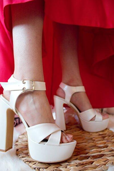 SHOELAYN Sedef Beyaz Bilekten Bağlı Önü Açık Kalın Topuk Platform Gelin Ayakkabı