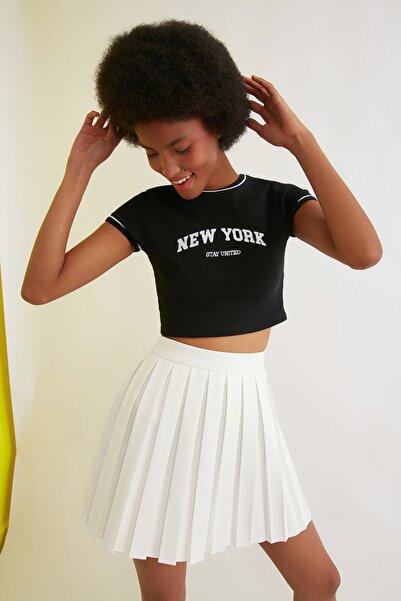 TRENDYOLMİLLA Siyah Baskılı Super Crop Örme Bluz TWOSS21BZ1193