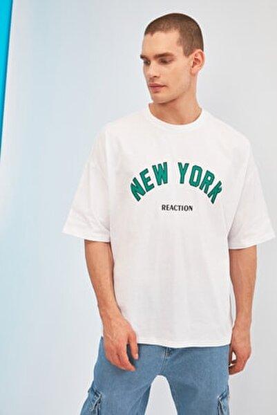Beyaz Erkek Oversize Fit Bisiklet Yaka Kısa Kollu Baskılı T-Shirt TMNSS21TS1629