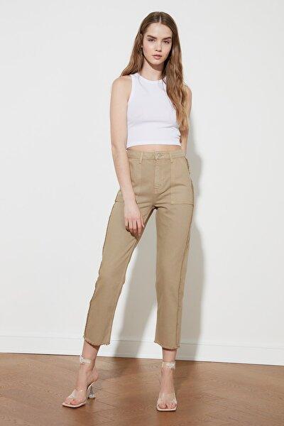 TRENDYOLMİLLA Camel Püskül Detaylı Yüksek Bel Straight Jeans TWOAW21JE0072