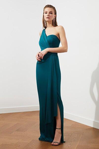 TRENDYOLMİLLA Zümrüt Yeşili Bel Detaylı  Abiye & Mezuniyet Elbisesi TPRSS20AE0117