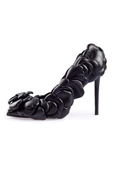 Flower Siyah Deri Gül Detaylı Topuklu Ayakkabı
