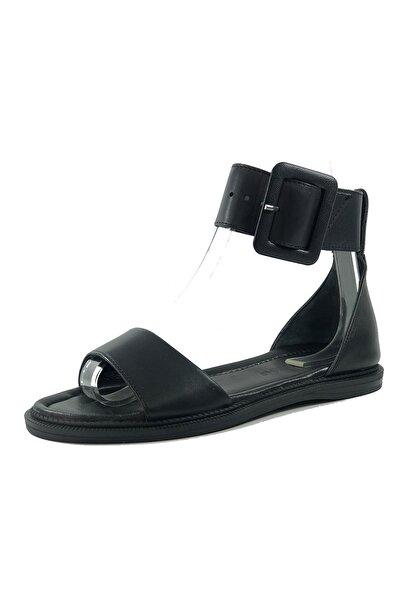 More Kadın Siyah Toka Detaylı Deri Sandalet 034