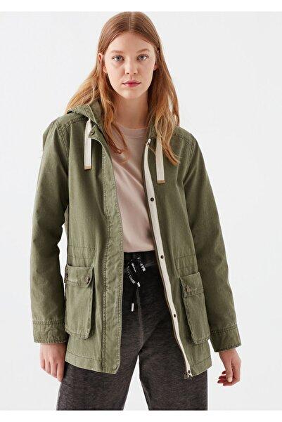 Mavi Kadın Kapüşonlu Açık Yeşil Ceket