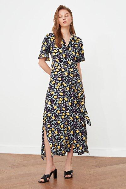 TRENDYOLMİLLA Çok Renkli Kuşaklı Gömlek Elbise TWOSS20EL2822