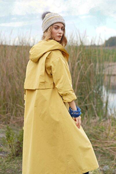 HEQA Kadın Sarı Kapüşonlu Yağmurluk