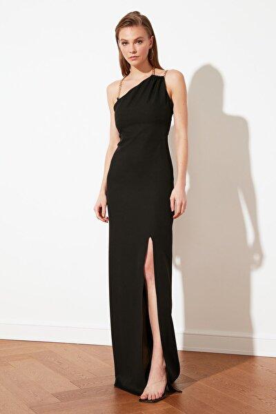 TRENDYOLMİLLA Siyah Zincir Aksesuar Detaylı Abiye & Mezuniyet Elbisesi TPRSS21AE0158