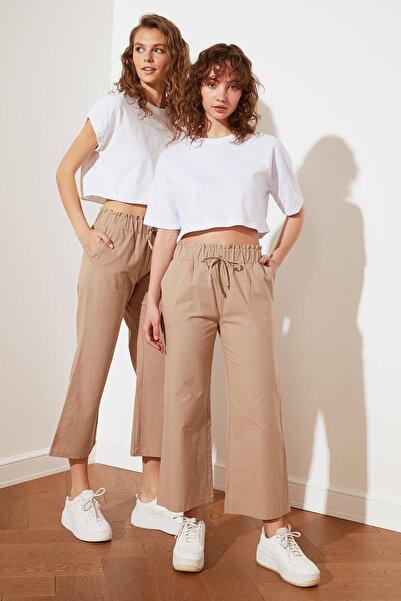 TRENDYOLMİLLA Camel Petite Geniş Paça Pantolon TWOSS21PL0526