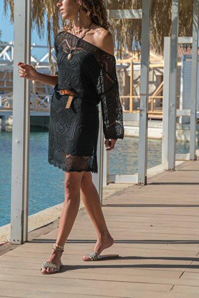 Güneşkızı Kadın Siyah Astarlı Brode Düşük Yaka Elbise GK-CCKRES1