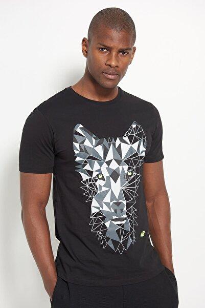 New Balance Erkek T-Shirt - NB Wolf Tee - V-MTT902-BK