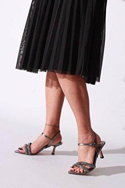 Kadın Platin Taşlı Kırışık Rugan Topuklu Ayakkabı