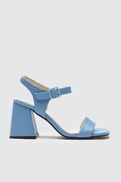 TRENDYOLMİLLA Mavi Kadın Klasik Topuklu Ayakkabı TAKSS21TO0063