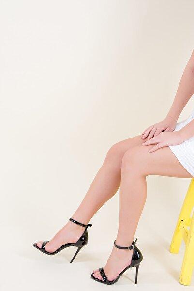 Fox Shoes Siyah Kadın Topuklu Ayakkabı 9922112608