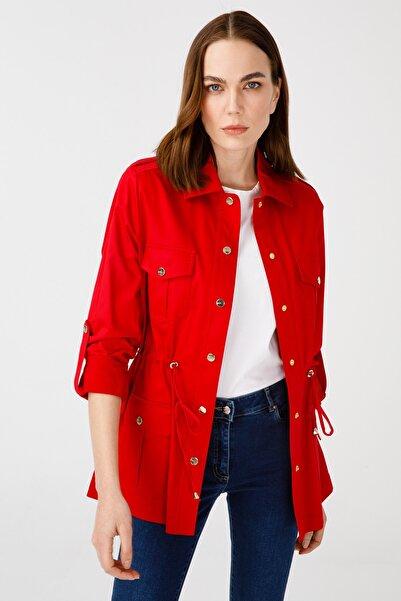 Ekol Kadın Kırmızı Yakalı Trençkot