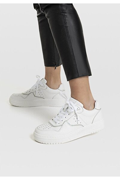 Stradivarius Kadın Beyaz Şeritli Spor Ayakkabı 19002570