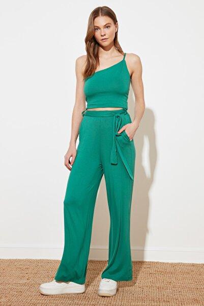 TRENDYOLMİLLA Zümrüt Yeşili Flare Örme Pantolon TWOSS21PL0523