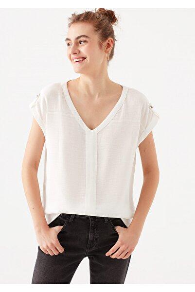 Mavi Kadın V Yaka Beyaz Tişört