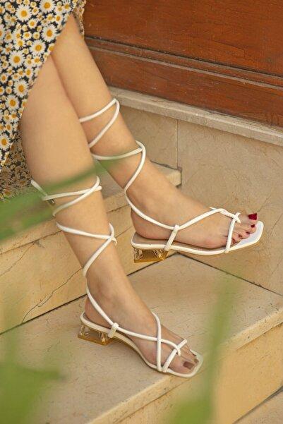 STRASWANS Swans Bayan Topuklu Küt Burun Bilekten Bağlamalı Sandalet Beyaz