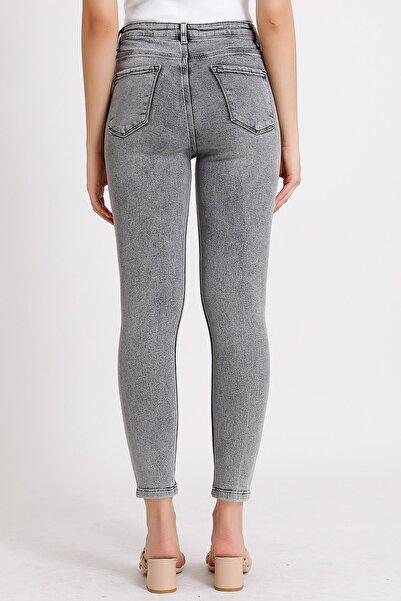 Kadın Gri Yüksek Bel Slim Fit Paça Yırtık Detaylı Denim Kot Jeans 1049