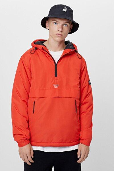 Bershka Erkek Kırmızı Kapüşonlu Şişme Kanguru Mont