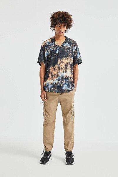 Pull & Bear Erkek Kavruk Elastik Belli Yırtılmaz Kumaştan Kargo Pantolon 05670505