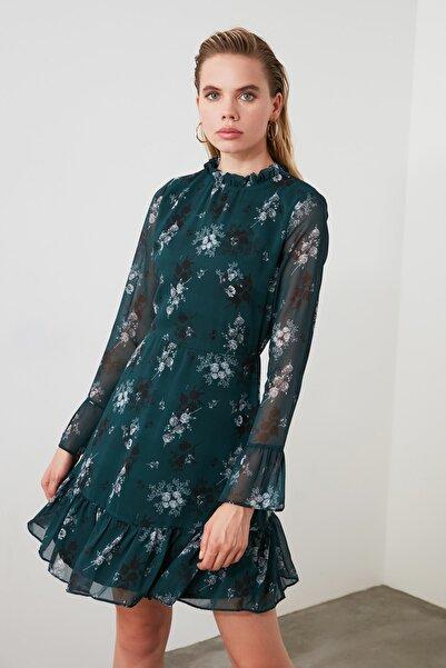 Yeşil Çiçek Desenli Elbise TCLAW19LJ0076