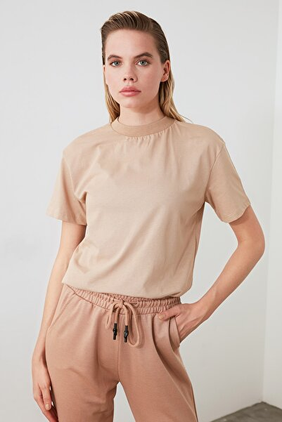 Camel Dik Yaka Örme T-Shirt TWOAW20TS0096