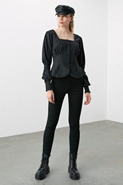 Siyah Düğme Detaylı Bluz TWOAW20BZ0857
