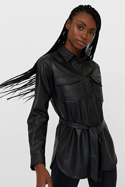 Stradivarius Kadın Siyah Kemerli Suni Deri İnce Ceket 06048578