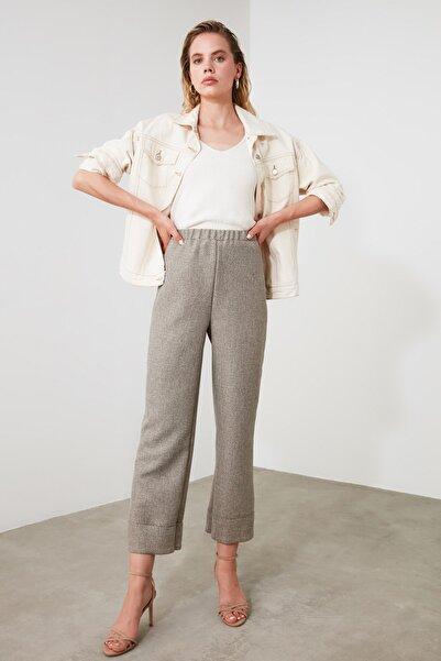TRENDYOLMİLLA Bej Basic Pantolon TWOAW21PL0013