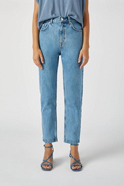 Pull & Bear Kadın Orta Mavi Basic Mom Fit Jean 09683320