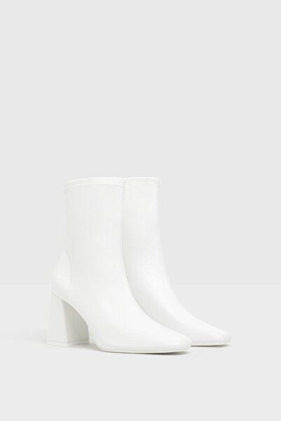 Bershka Kadın Beyaz Topuklu Streç Bilekte Bot 11125660