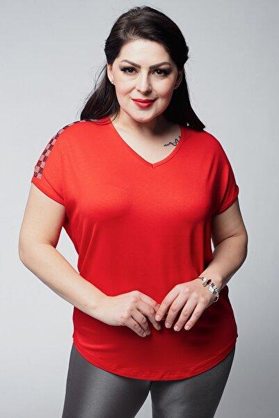 Ebsumu Kadın Kırmızı Büyük Beden V Yaka Omuzları Kare Taş Detay Bluz