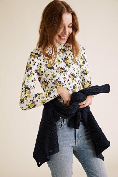 Marks & Spencer Kadın Bej Çiçek Desenli Dik Yakalı Bluz T41004291