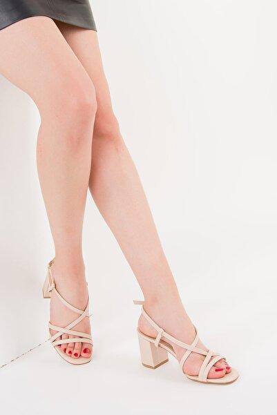 Fox Shoes Ten Kadın Topuklu Ayakkabı F654028009