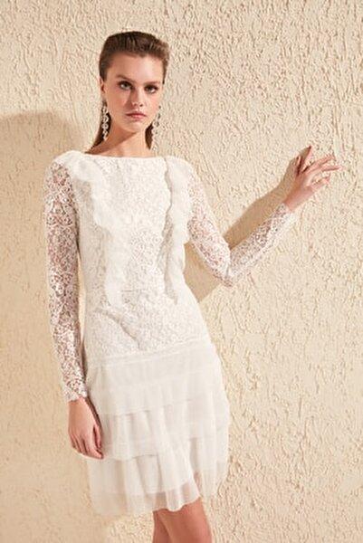 Ekru Fırfır Detaylı Dantel Elbise TPRSS20EL1095