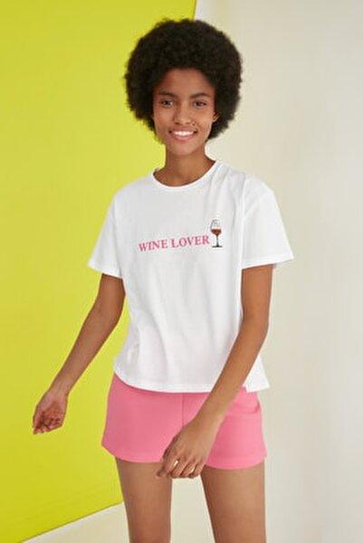Beyaz Baskılı Semi-Fitted Örme T-Shirt TWOSS21TS2060