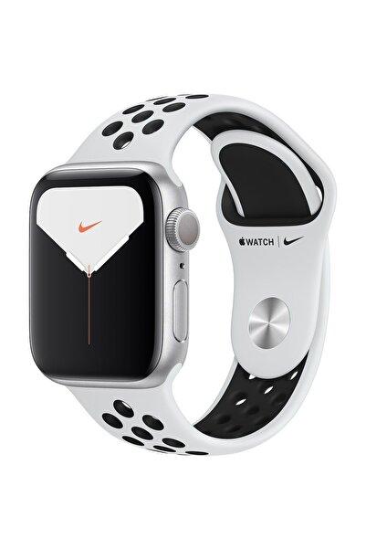 Apple Watch Nike Series 5 GPS 40 mm Gümüş Rengi Alüminyum Kasa ve Nike Spor Kordon