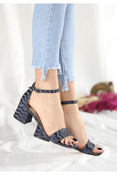 Trendypazar Epon Lacivert Süet Desenli Tek Bant Topuklu Ayakkabı