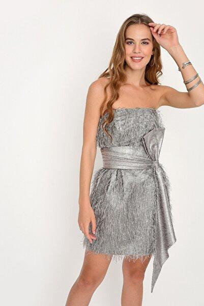 Bozsisters Sarah Gümüş Straplez Simli Tüylü Mini Elbise