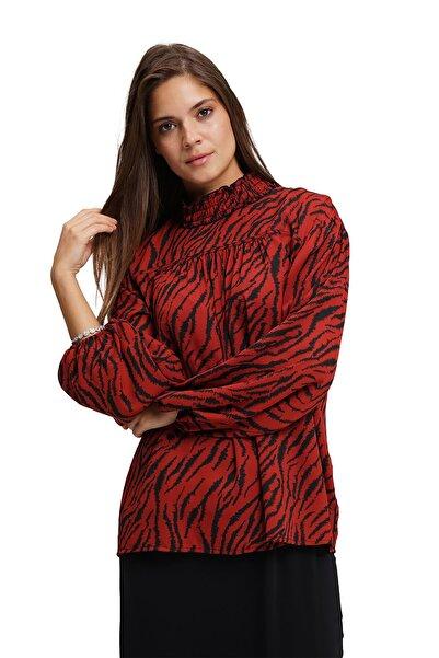 Mizalle Kadın Bordo Siyah Desenli Önü Robalı Bluz 19KGMZL1012011-BORDO
