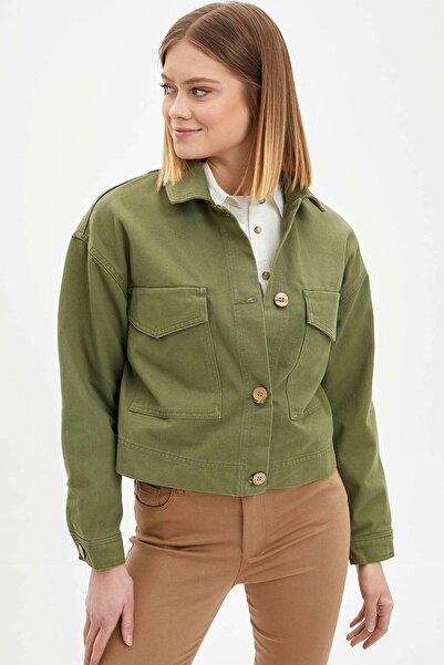 DeFacto Kadın Yeşil Regular Fit Basic Düğmeli Ceket M5681AZ.20SP.GN103