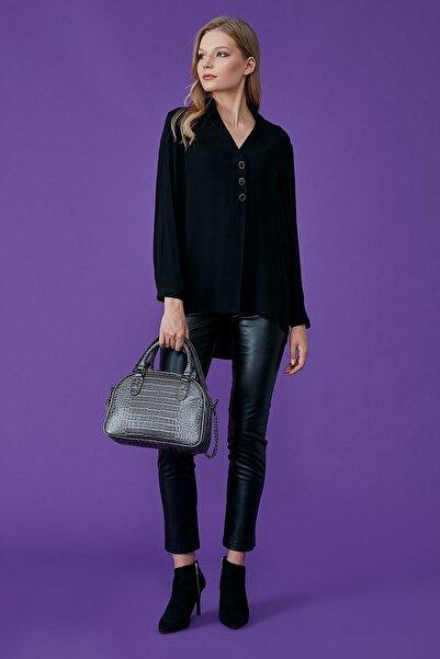 Journey Kadın Siyah Polo Yaka Ön 3 Düğme Ve Pile Detaylı Bluz 19KTNK422