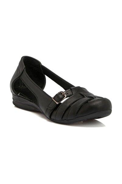 Tergan Siyah Deri Kadın Ayakkabı