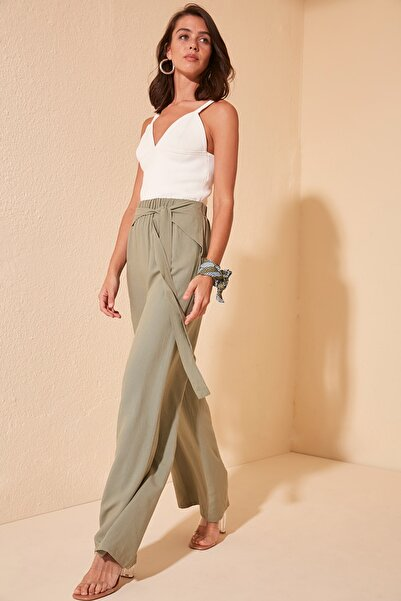 TRENDYOLMİLLA Yeşil Bağlama Detaylı Pantolon TWOSS20PL0369