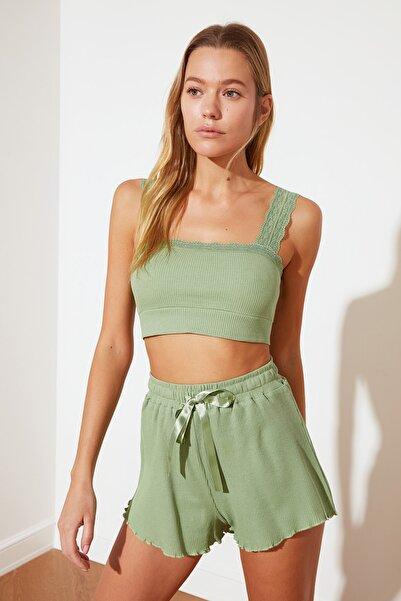 TRENDYOLMİLLA Yeşil Dantel Detaylı Örme Pijama Takımı THMSS21PT0576