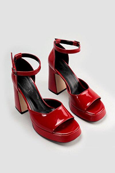 Limoya Kadın Kırmızı Rugan Topuklu Ayakkabı